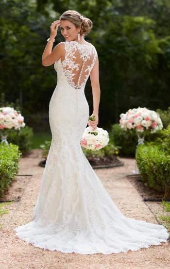 Curvy Brides 16+ Size Wedding Dress | Blessings of Brighton